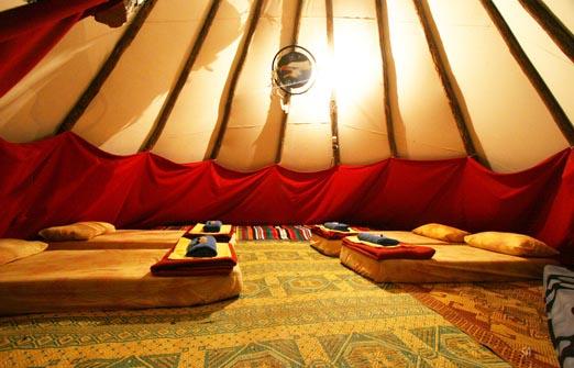 הכפר האינדיאני - קמפינג