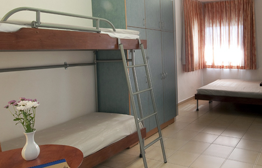 אכסניית אנא אילת - מיטת קומותיים
