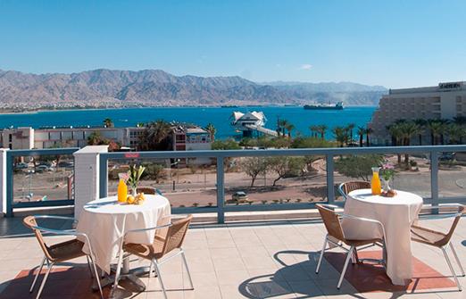 אכסניית אנא אילת - נוף הים שנשקף מהמרפסת
