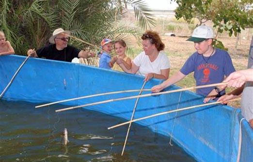 דג בכפר - פארק דייג וקמפינג - בריכת דגים לילדים