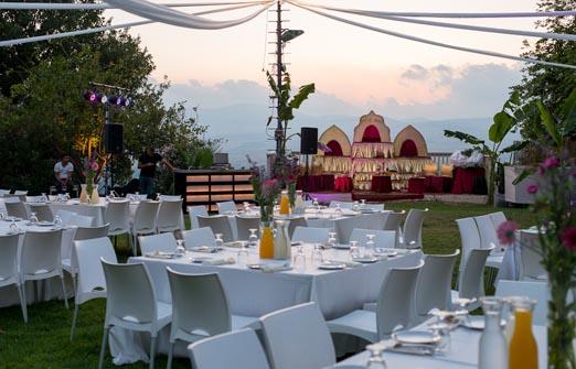 מסעדת אדמה - אירוע בחצר המסעדה
