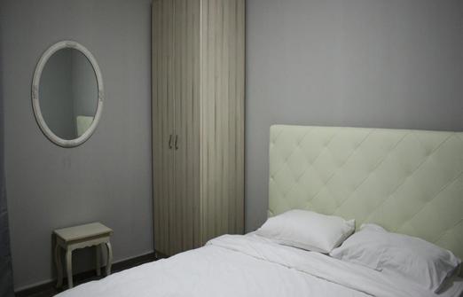 סוויטות ריץ' - חדר שינה באחת הסוויטות