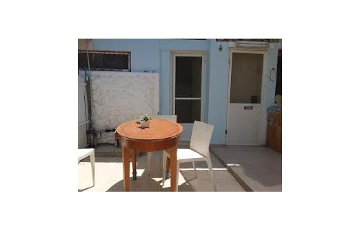 חדרי אירוח של נווה זוהר- פינת ישיבה בחוץ