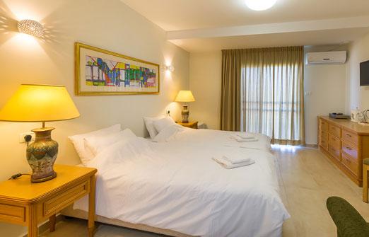 חאן הגליל בית העמק - חדרי שינה