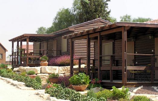 קיבוץ כרמים גן הכרמים - החצר
