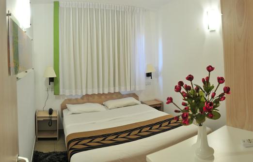 מלון צובה - חדר שינה זוגי