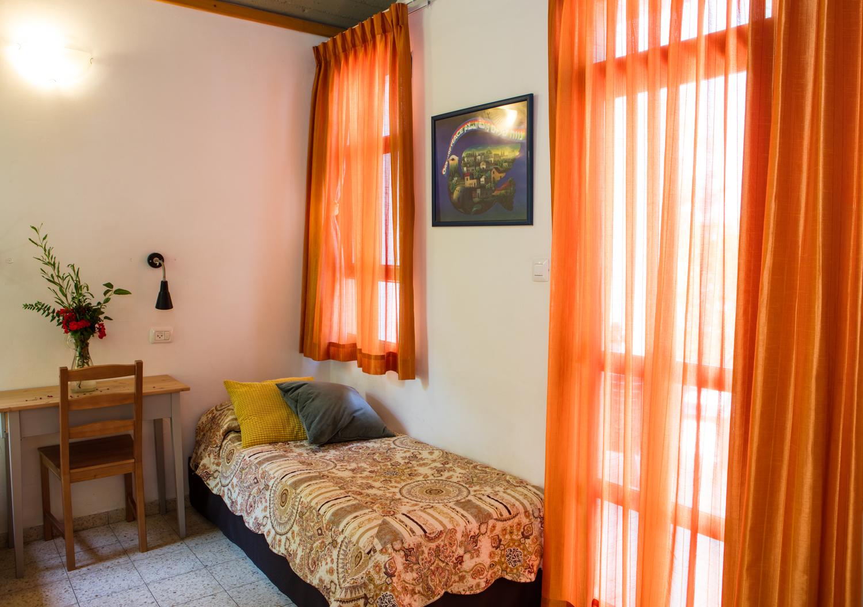 מלון נווה שלום - חדר שינה