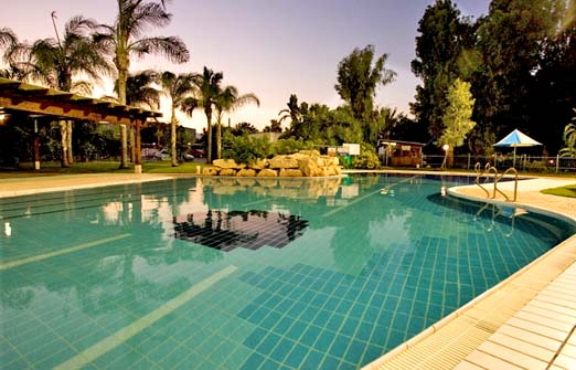 מלון נוף גינוסר- הבריכה