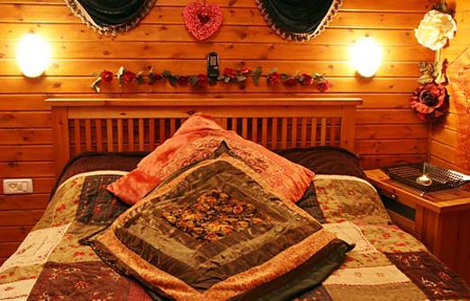 בקתת ירוק יער - מיטה זוגית