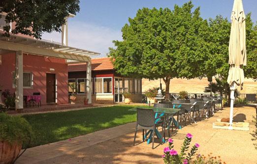 אחוזה במדבר - מסעדת הפנינה