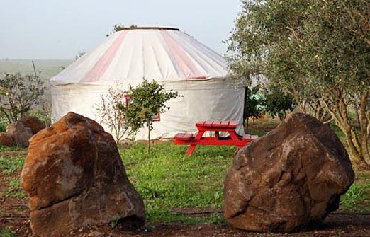 הכפר האינדיאני - אוהלים מפוארים לזוגות