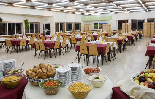 כפר נופש משאבים בקיבוץ משאבי שדה - חדר אוכל
