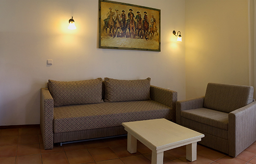 תיירות מרום גולן- צימרים - מיטה בחדר הסטודיו