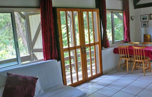 בית העץ wood house inn - מטבחון