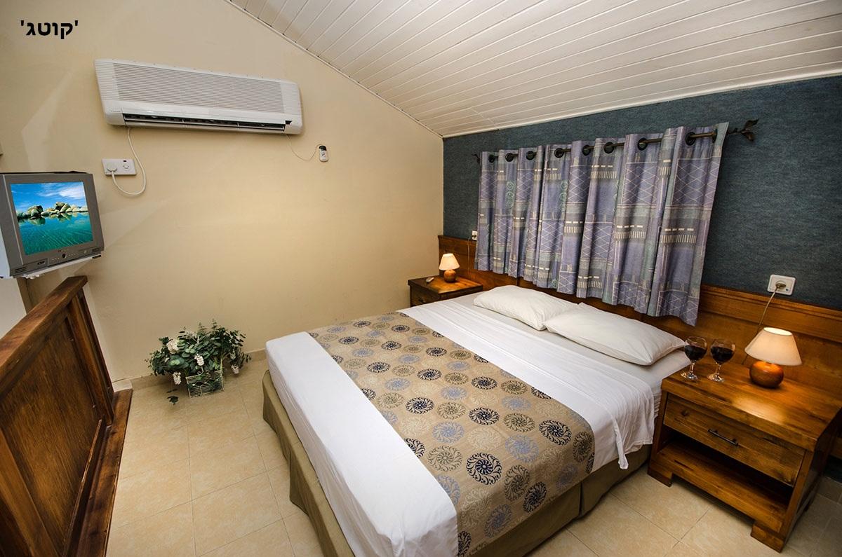 כפר הנופש דור (טנטורה) - מיטה זוגית מרווחת