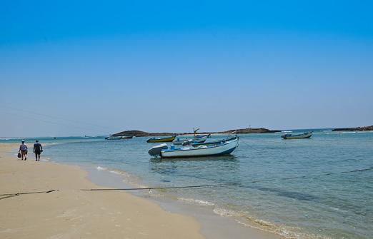 כפר הנופש דור (טנטורה)- הליכה על החוף